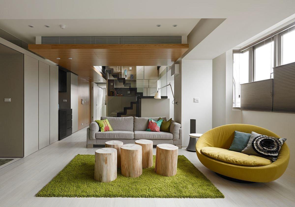 Không gian phòng khách với đồ dùng đơn giản, rẻ tiền mà độc